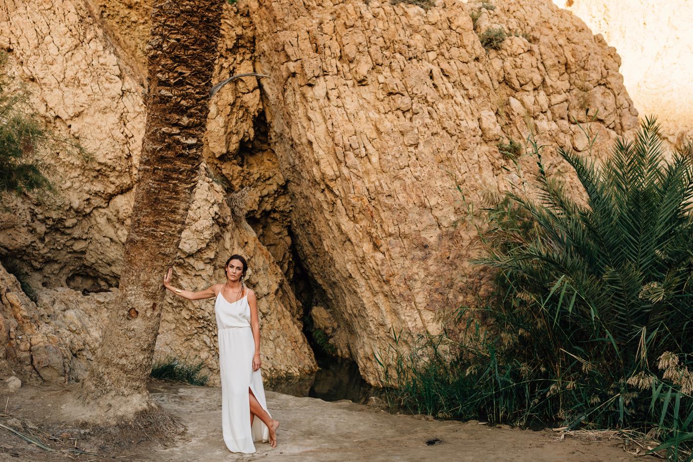 Robe longue blanche dos nu avec fente